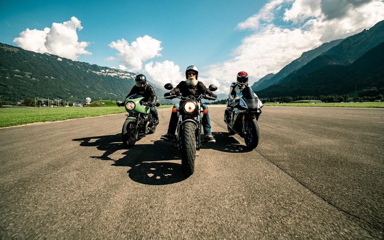 BikeXperts cruisen auf dem Flugplatz